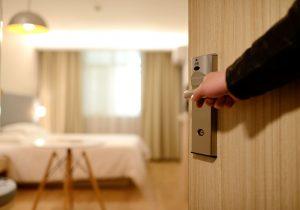 女性をホテルに誘う